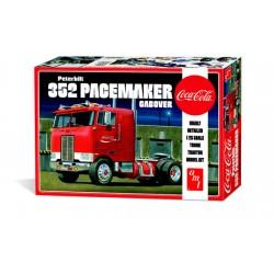 Maquette Peterbilt 352 pacemaker cabover de la marque AMT.