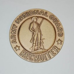 """Badge """"Army national guard recruiting and retention"""" doré, 101 Inc"""